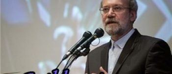 وزیر خارجه آمریکا سیاستمدار چاقی است که زیاد حرف میزند / علی لاریجانی